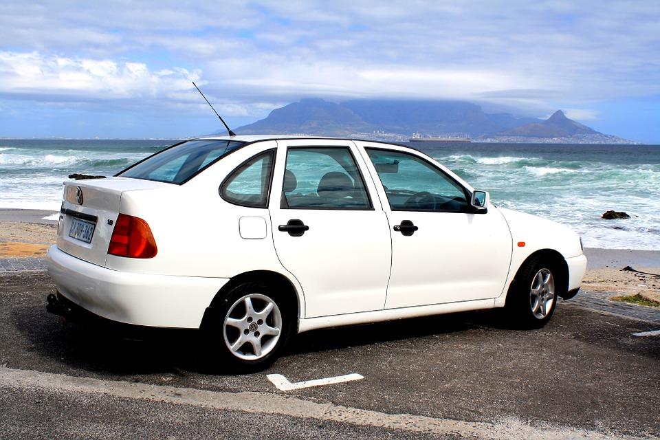 Recorrer las Islas Canarias en un coche alquilado